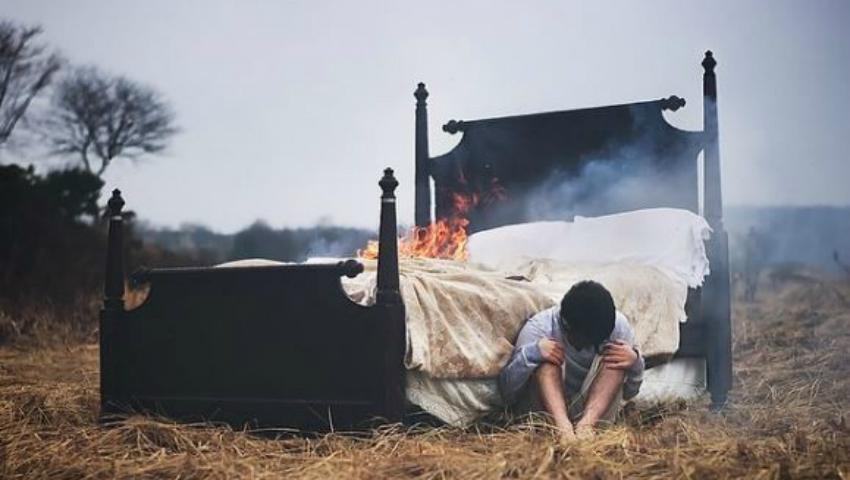 Foto: Un tânăr fotograf şi-a transformat coşmarurile în artă