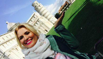 Dianna Rotaru se bucură de vacanță! Vezi VIDEO cu artista lângă Turnul înclinat din Pisa