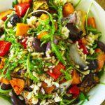 Foto: Salată de orez cu legume la cuptor