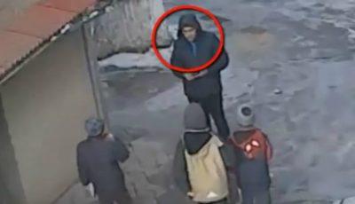 Acest bărbat e suspectat de jefuirea telefoanelor mobile de la minori