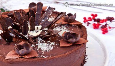 """Chocolate cake – un tort de care o să vă """"îndrăgostiți"""""""