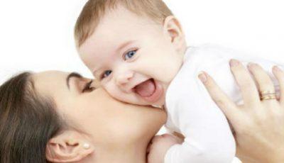 Decis! Mamele fără loc de muncă NU pot fi private de indemnizația de maternitate