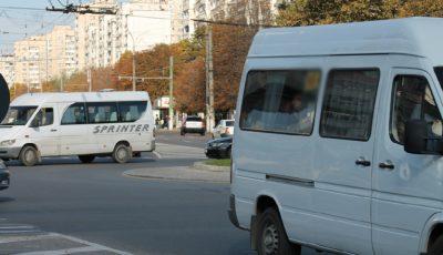 Prețul pentru o călătorie cu microbuzul ar putea fi majorat pâna la opt lei