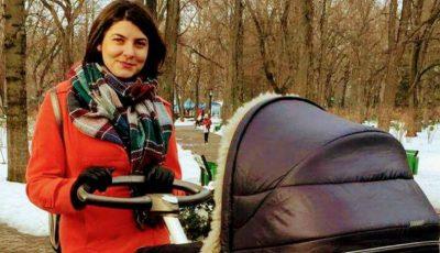 Olesea Sveclă la prima plimbare cu micuța!