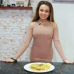 Foto: Învață ce şi cum să mănânci ca să arăți ca Adela Prisăcari