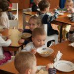 Foto: Noi taxe pentru alimentația copiilor din instituțiile de învățământ