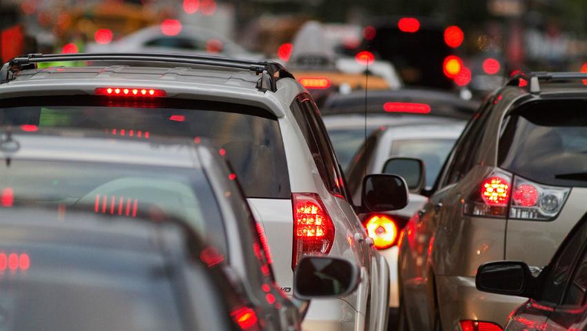 Foto: Atenție șoferi! Iată străzile pe care ar trebui să le evitați pentru a nu sta în ambuteiaj