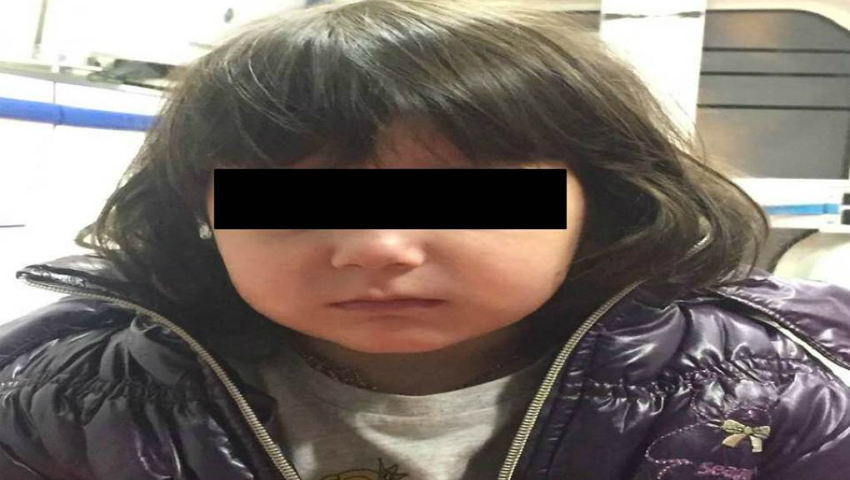 Foto: S-a găsit mama copilei de 3 ani care umbla singură pe holurile unui centru comercial din Capitală