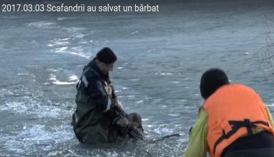 Video! S-a prăbușit sub gheața unui lac, dar a fost salvat în ultima clipă!