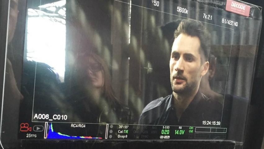 Foto: Moldoveanul Nicon Caraman joacă rolul unui locotenent într-un lungmetraj filmat la Londra. Află în ce proiecte mai este implicat!