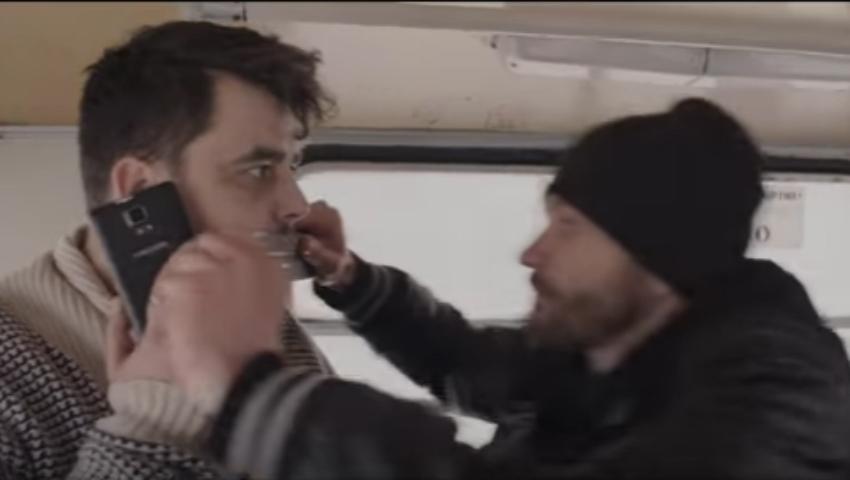 Foto: Mani îi închide gura lui Anatol Melnic! Vezi noul videoclip al interpretului