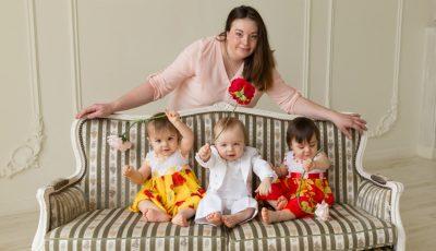 Tatiana Ciutac și tripleții ei, într-un pictorial emoționant