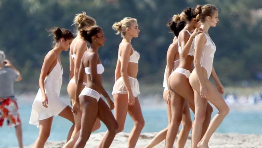 Foto: Modelele Victoria's Secret au pozat pe plajă, fără photoshop