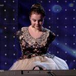 """Foto: Emoționant, până la lacrimi! Fetița fără mâini de la ,,Românii au Talent"""" a cântat la pian"""