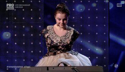 """Emoționant, până la lacrimi! Fetița fără mâini de la ,,Românii au Talent"""" a cântat la pian"""