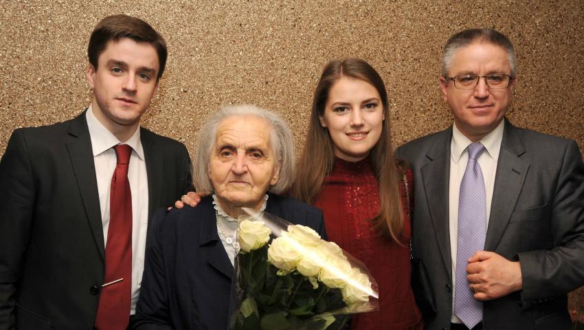 "Foto: Cu drag de mama: Boris Gîlca, director ""Invitro Diagnostics"""