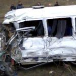 Foto: Grav accident cu implicarea unui microbuz de rută! 11 oameni au ajuns la spital