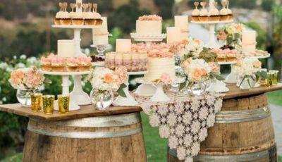 Idei de candy bar pentru o nuntă în stil rustic