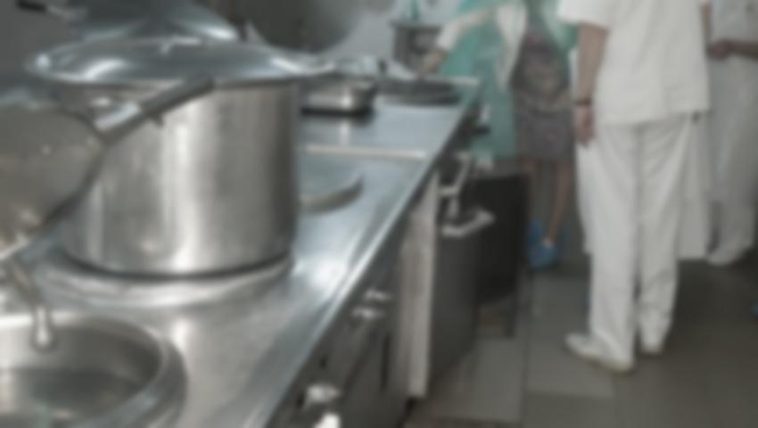 Foto: Șefa blocului alimentar al Spitalului de Psihiatrie din Bălți a fost reținută de CNA!