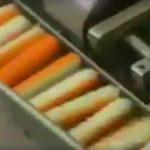 """Foto: Șocant! Acest video arată cum sunt fabricate, de fapt, batoanele din ,,crab""""! Mai mănânci?"""