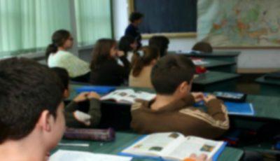 Un profesor din Telenești, condamnat la închisoare după ce ar fi lovit un elev cu bastonul