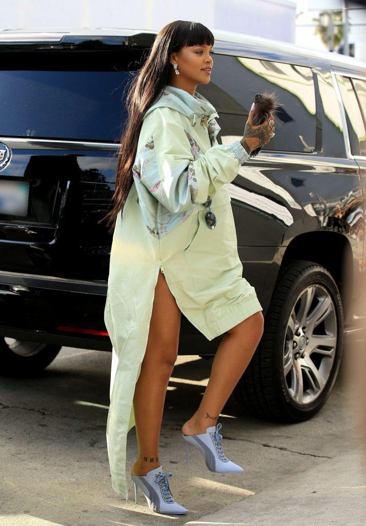 Rihanna-hepta_2875634-714x1024