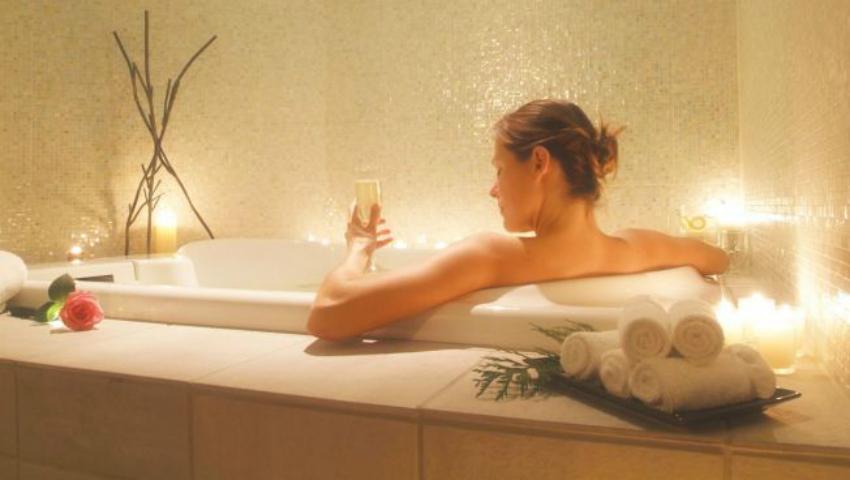 Foto: Băile fierbinți te pot ajuta să scapi de kilogramele în plus, însă nu sunt indicate tuturor