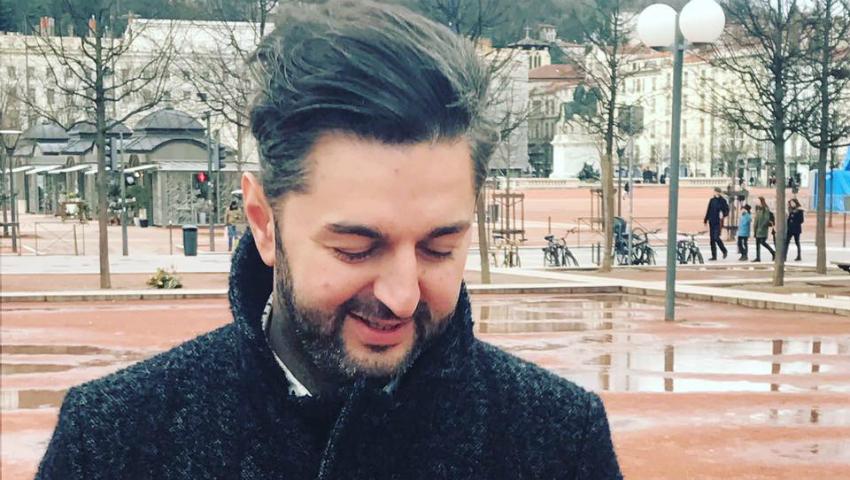 Foto: Adrian Ursu, cu picioarele goale în zăpadă!