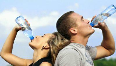 Câtă apă trebuie să bem ca să slăbim?!