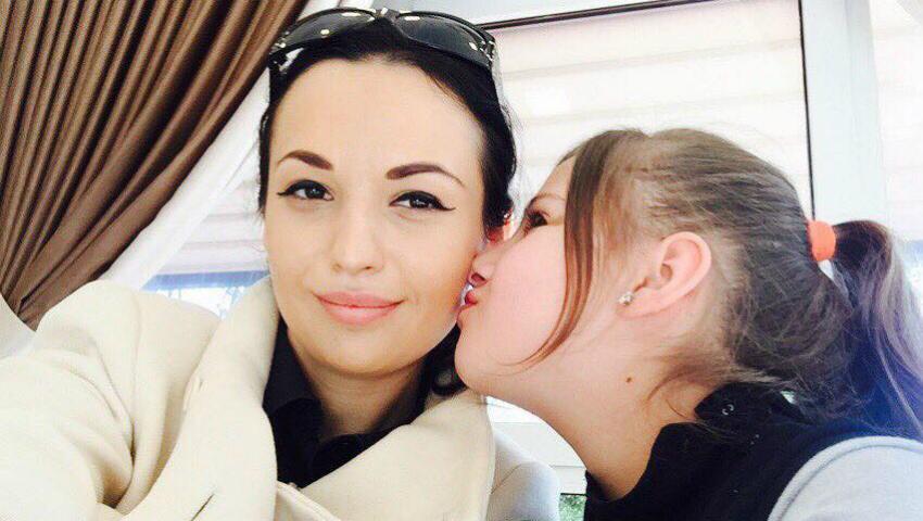 Foto: Fiica Doinei Sulac împlinește 12 anișori. Iată ce-i urează interpreta!