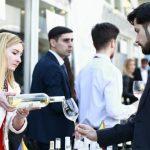 Foto: 1000 de invitați s-au delectat cu vinuri selecte la Vernisaj în Vals de Primăvară!