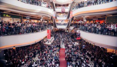 """Sute de moldoveni s-au îmbulzit pentru a o vedea pe Ezgi Asaroglu din """"Bahar: Viață furată!"""""""