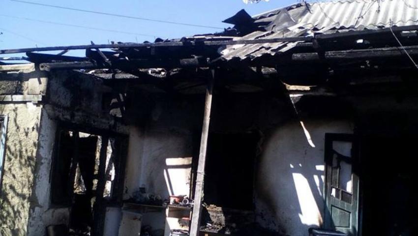 Foto: Incendiu în raionul Glodeni! Un copil de un an şi mama acestuia au decedat
