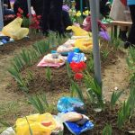 """Foto: Preotul, despre Paștele Blajinilor: ,,La cimitir se duce doar cu ouă roşii, lumânări şi cozonac""""!"""