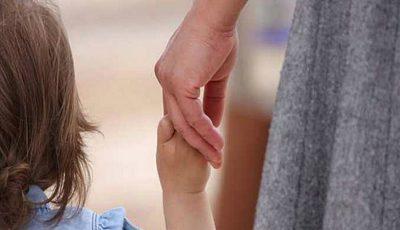 Concediul pentru îngrijirea copilului ar putea fi redus cu doi ani