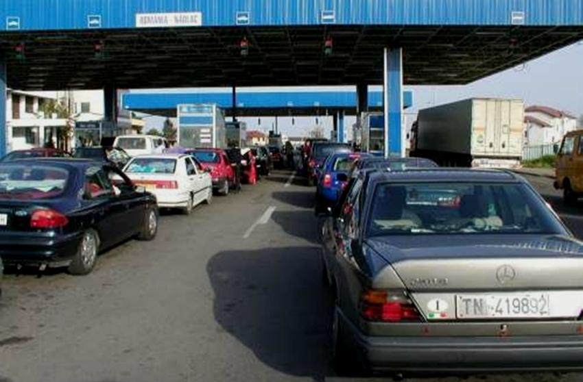 Foto: Atenție! Verificări riguroase la frontiere din 7 aprilie! Va crește timpul de așteptare