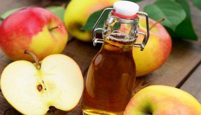 Pune oțet de mere pe piele și scapă de problemele tenului