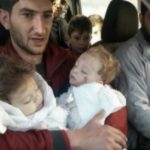 Foto: Imagini șocante! Copiii, victimele atacului cu gaz sarin din Siria