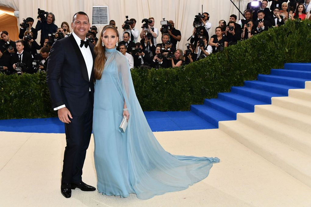 Alex Rodriguez and Jennifer Lopez, who arrived in Valentino.