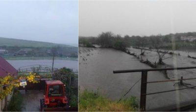 Video! Ploile torențiale fac ravagii în Moldova. Zeci de gospodării, inundate!