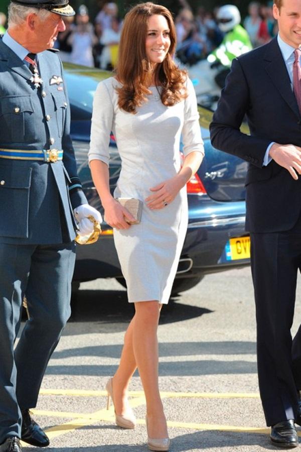 Gorgeous-Looks-of-Kate-Middleton-31