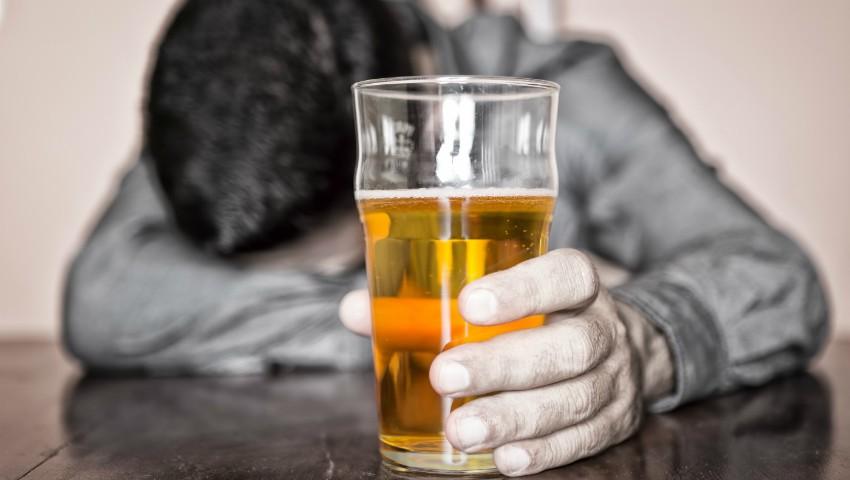 Foto: Află cine i-a întrecut pe moldoveni la consumul de alcool