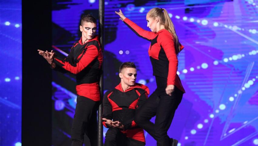 """Foto: Juriul a decis! Echipa de acrobați moldoveni ,,Run to Infinity"""" merge în marea finală ,,Românii au Talent""""! Află cine este cel de-al doilea concurent moldovean calificat"""