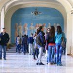 Foto: România reduce la jumătate numărul burselor acordate studenților din Republica Moldova