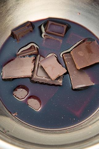 chec-cu-vin-rosu-si-ciocolata-5 (1)