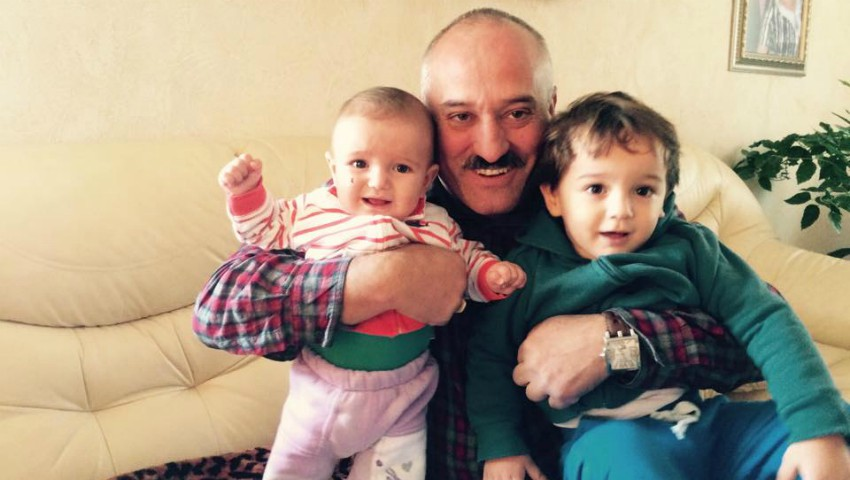 Foto: Gheorghe Țopa a devenit bunic pentru a patra oară