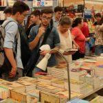 Foto: Moldovenii au făcut coadă la Salonul Internațional de Carte pentru Copii și Tineret