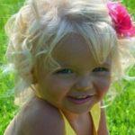 Foto: Ce i s-a întâmplat acestei fetițe, care este model de la 2 anișori