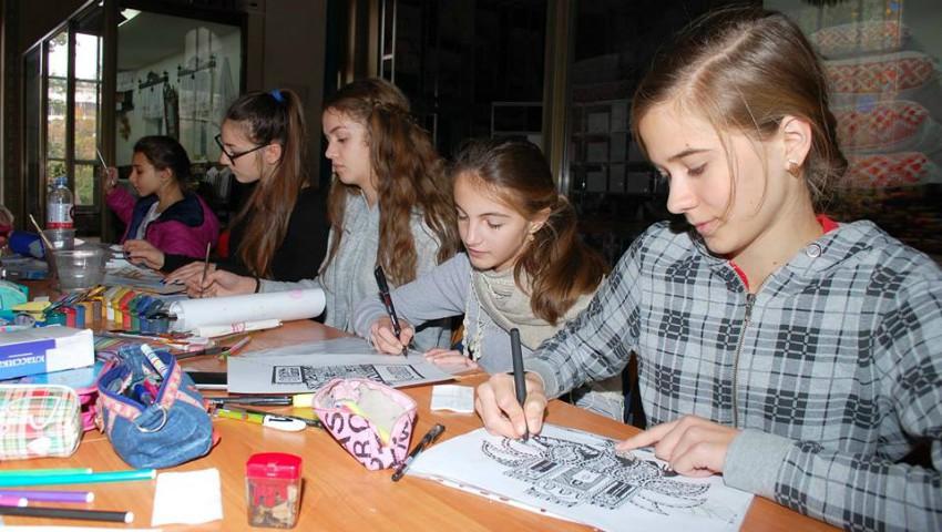 """Foto: Copilului tău îi place să deseneze? Puteți participa la concursul """"Ce mi-a plăcut azi la muzeu"""""""