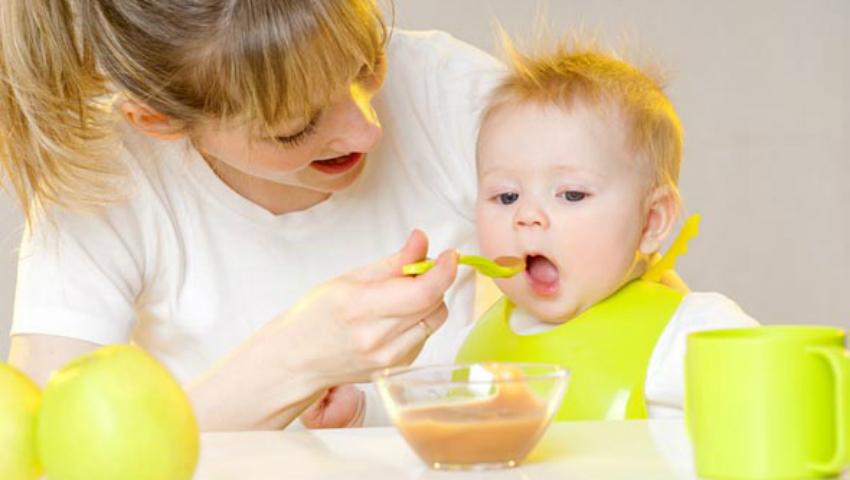 Foto: Alimentaţia diversificată – sfaturi pentru părinţi
